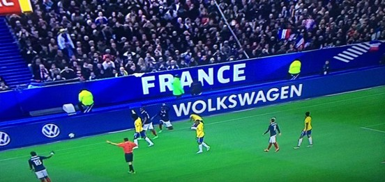 image-volkswagen-ddb-france-volkswagen-ecorche-volontairement-son-nom-durant-match-football